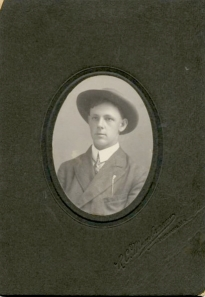 Farmer and engineer Herbert John Schappler (personal collection of Karen Barton).