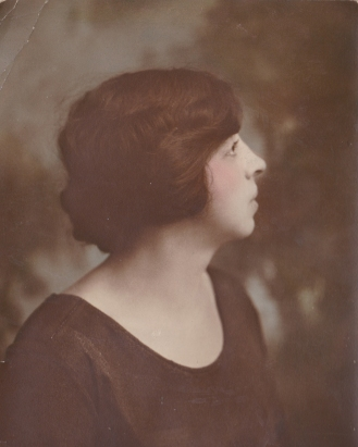 Portrait of Amanda Schuermann Mumbrauer, circa 1920, courtesy of Andrew Hahn.